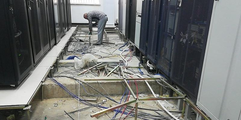 更换机房防静电地板