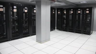 该如何清洁机房防静电地板?