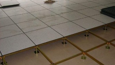 监控室全钢HPL防静电地板,厂家告诉你怎么选