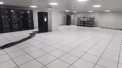 监控机房边角全钢架空防静电地板施工方法