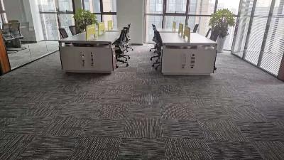 西安架空网络地板为5A办公写字楼提供舒适的办公环境