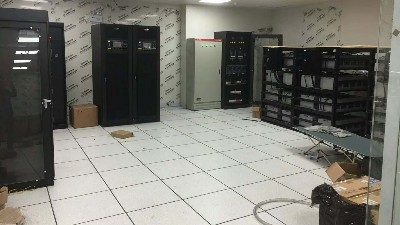 机房使用全钢无边防静电地板有哪些技术要求?