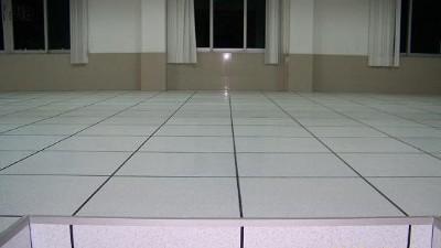 防静电架空活动地板怎样保养维护?延长使用寿命?