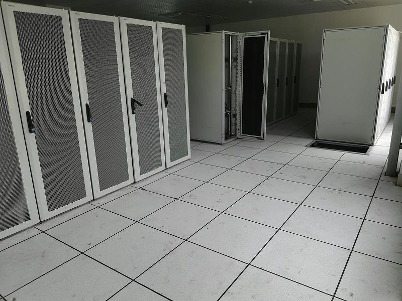 西安全钢HPL防静电地板