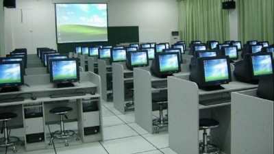 学校电教室一般安装的是哪种全钢防静电地板?